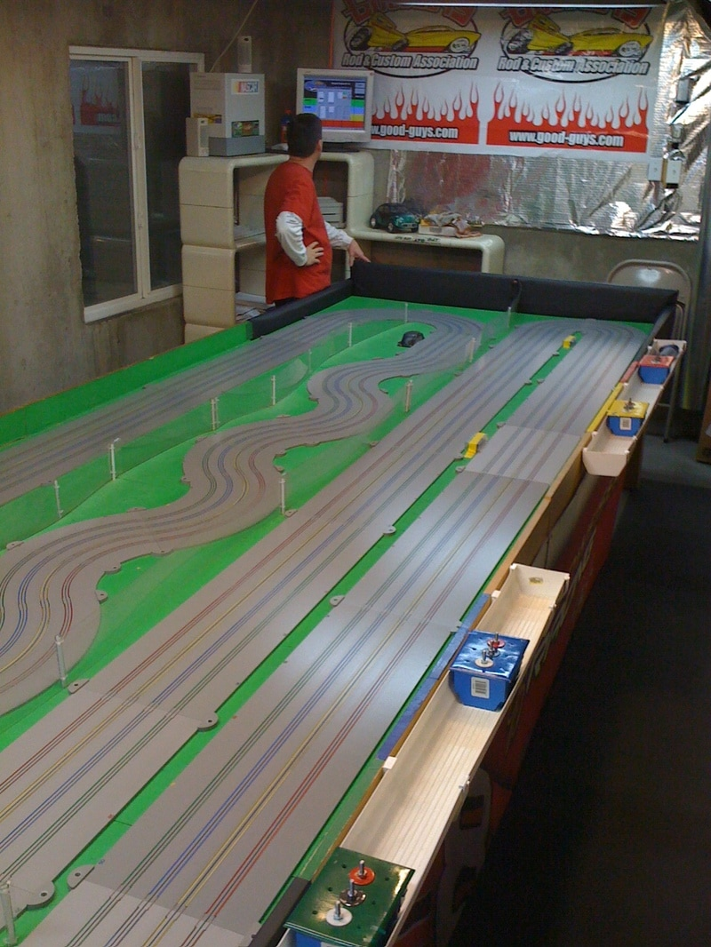 Chris Beyers Slot Car Track - MHOSA - Mile High HO Slot Car